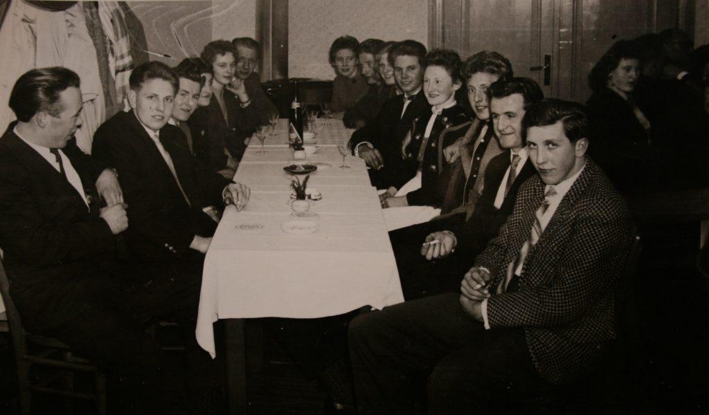 1958theater clubraum02